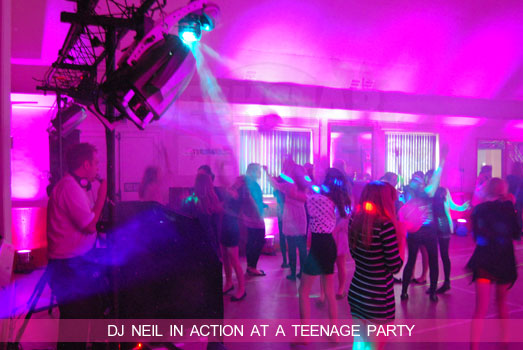 Cheltenham Teens Disco/DJ - Nightclub laser lighting rig